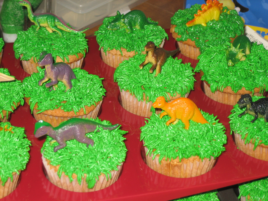 Create Your Own Dinosaur Cupcake