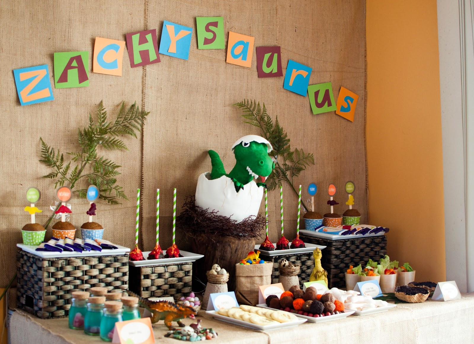 dinosaur birthday party theme Dinosaurs Pictures and Facts