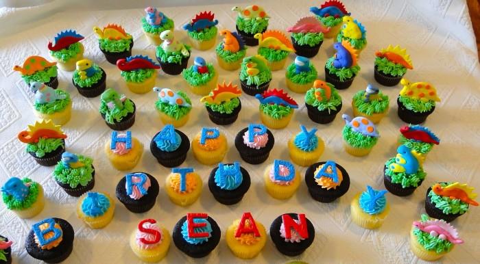 dinosaur cupcake cake design