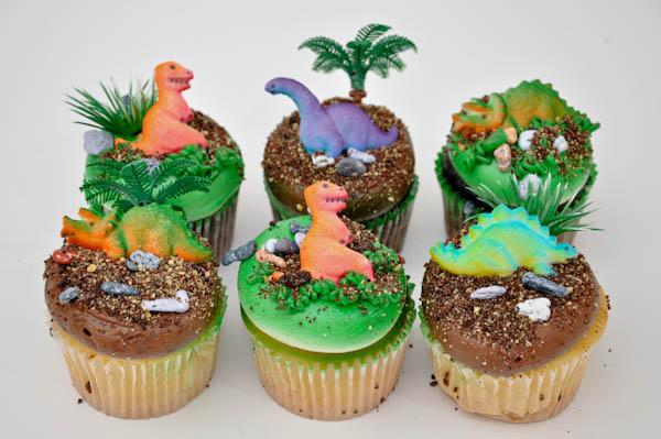 diy dinosaur cupcake cake